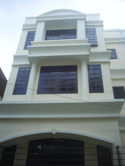 Shop House Either For Rent Or Sale In Phromphong