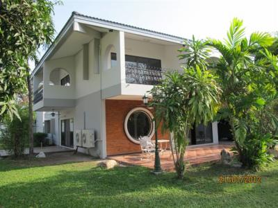 4 Bedroom Single House In Moobaan Panya, Onnut 17/Pattanakarn 30 For Rent