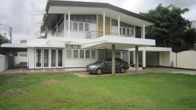 Newly Renovated 4 Bedroom Single House For Rent In Ekamai